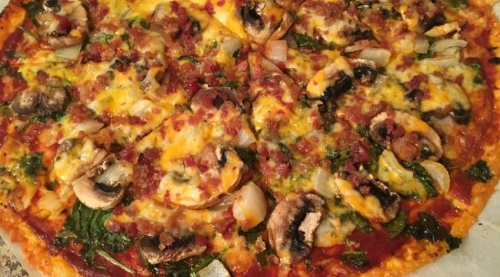Low Carb Cheese Crust Pizza With Spinach, Mushrooms And Bacon